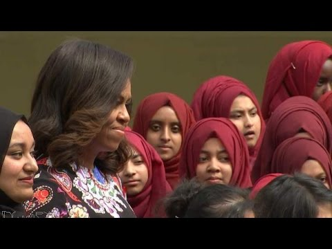 First Lady Welcomed By London Schoolgirls