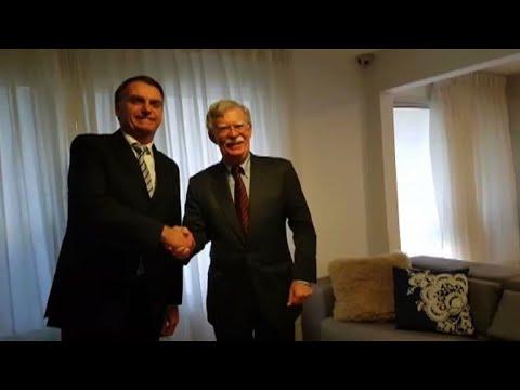 Bolton convida Bolsonaro para encontro com Trump
