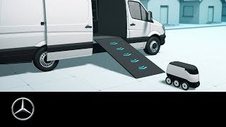 Vans & Robots: Efficient delivery with the mothership concept