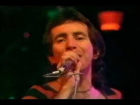 AC/DC - TNT (Live with Bon Scott)