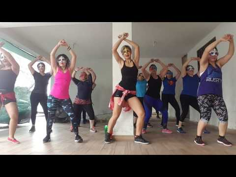 Dancing Queen -ABBA