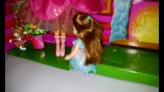 My Barbie In The 12 Dancing Princesses Princess Genevieve, Janessa, Kathleen, Lacey Are Dancing