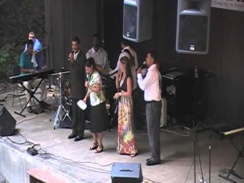 The McNeills LIVE AT THE BREAKS 2011