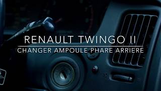 Renault twingo II : changer ampoule de phare arriere