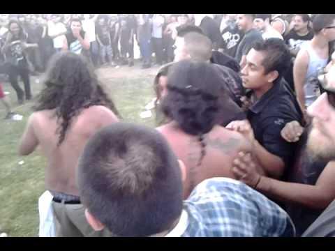 Little fight at Mayhem fest 2012