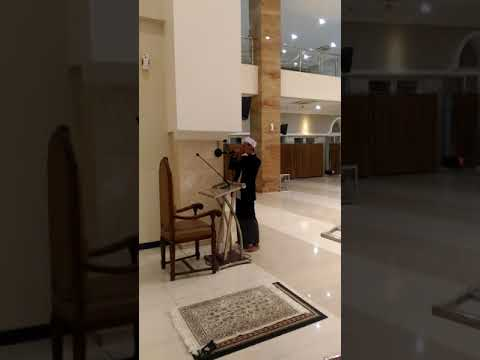 Ust Nuruddin Azan isya merdu di masjid ulul azmi UNAIR surabaya