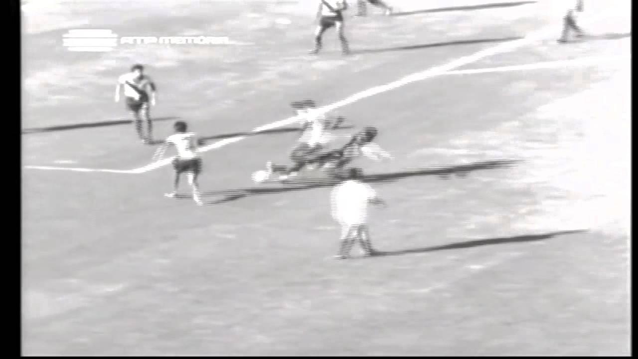 Dinis (Sporting) no Portugal - 3 x Equador - 0 da Minicopa 1972 - Fase Grupos