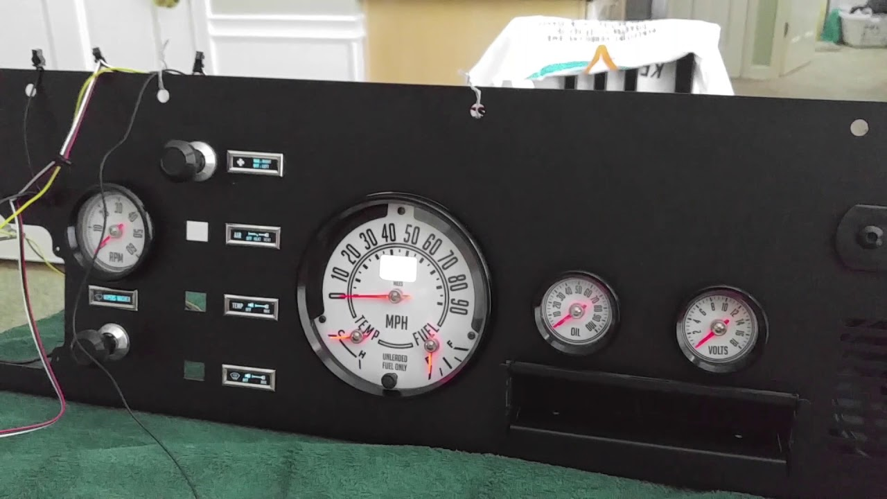 CJ-8 Scrambler Dash with SdHut Gauges - Power & Wiring Test on