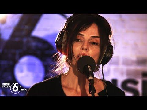 Unloved - Heartbreak (6 Music Live Room) Mp3