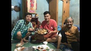 Bà ngoại vé số 91 tuổi được Khương Dừa mời ăn nhà hàng nhưng lại về vì lí do này!!!!