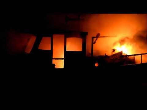 Woonschip Harlingen verwoest door brand (09-11-2017)