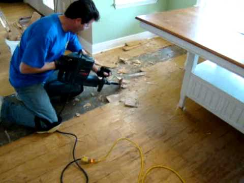 Amazing How To Remove Hardwood Floors.mpg   YouTube