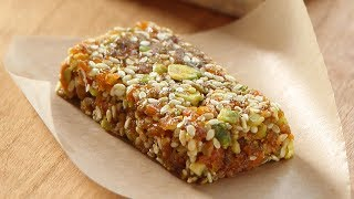 How to Make: Apricot and Pistachio Bars