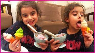 Squishylerimizle Oynuyor Ve Dondurma Yiyoruz L Rüya^nın Çiftliği L Kız Çocuk Vid