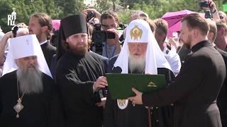 Патриарх Кирилл освятил памятник Патриарху Сергию Страгородскому в Арзамасе