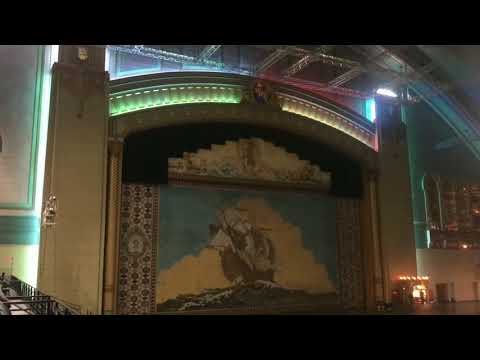 William Randolph plays Fanfare for the Common Man on the worlds largest pipe organ