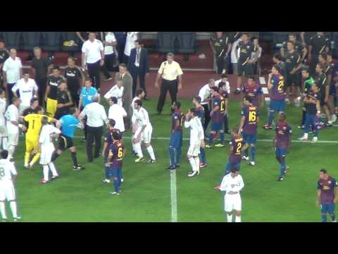 Barça Vs Real Madrid 3-2 Marcelo's Fault On Fabregas + Fight 17/08/2011 (HD)