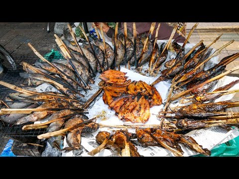 1 Day CAMBODIAN STREET FOOD TOUR - Breakfast, Lunch & Dinner in Phnom Penh, Cambodia!