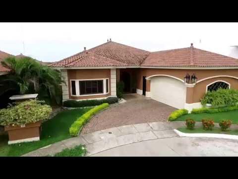 Se Vende Espectacular Casa de 4 recámaras en Sunset Coast, Costa Sur.