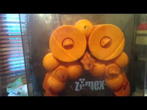 My new Zumex Essentials juicer.