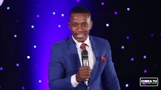 MC Lukinga kwenye stage| Relationship Edition| CHEKA TU