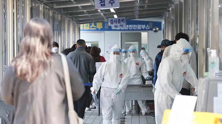700명대 확진 예상…'4차 유행' 우려 커져 / 연합뉴스TV (YonhapnewsTV)