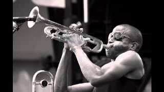 Trombone Shorty Frontin