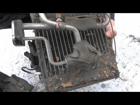 Чистка испарителя кондиционера на Mazda Demio