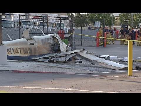 Small plane crash leaves 1 dead, 3 injured in Kearny Mesa (San Diego) (2014 video)