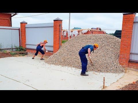 Соседи смеялись когда мужчина строил ЗАБОР из КАМНЯ своими руками! А потом раскрыли рты от удивления