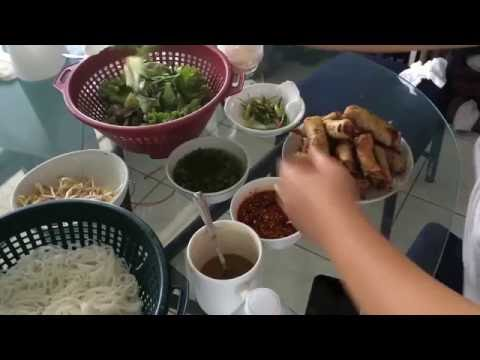 how-to-make-crunchy-shrimp-rolls-with-rice-noodle-and-vegetable