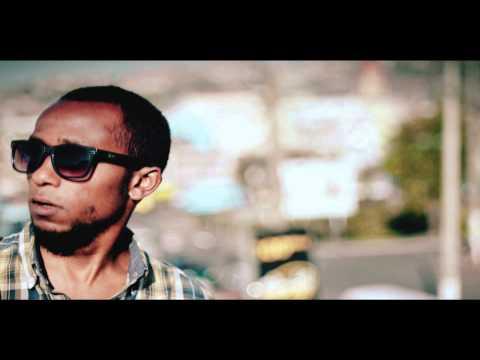 INTAAH- SAINA TONGA feat ROY RAKOTO. Réal. MG Pictures.