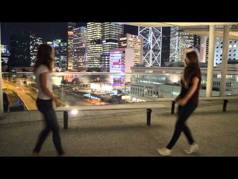 Around the globe - hongkong goes blonde
