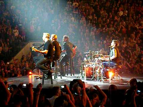 Nickelback Friends in Low Places Live in Dallas