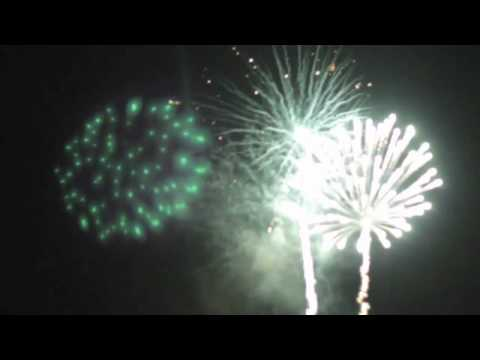 Film of 4th of July Fireworks  ysmnthelight, music  Radio Protector  65daysofstatic