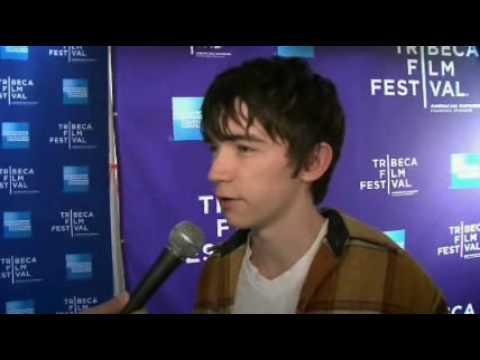 red carpet-interview-liam aiken