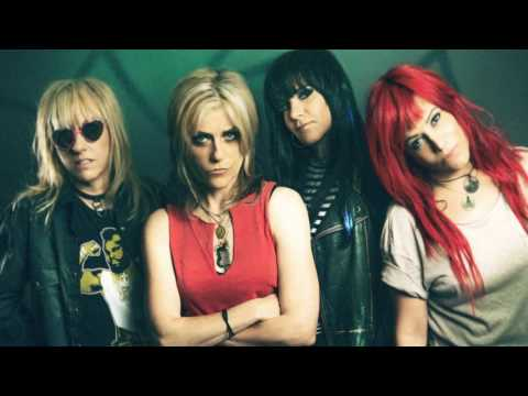 L7 | Donita Sparks talks about reunion, upcoming Australian tour and old times as a band