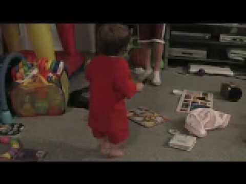 Tori's Happy Christmas music dance