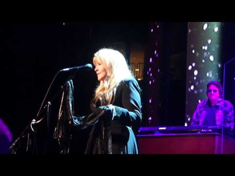 Stevie Nicks - Dreams (LIVE) 10/29/2016 Houston, TX