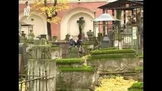 Донской монастырь в Москве(http://onetraveller.ru/ Документальный фильм о древнем московском Донском монастыре., 2013-07-16T17:11:43.000Z)