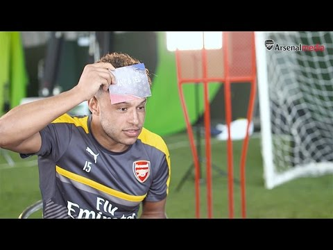 Arsenal take on the Heads Up challenge!