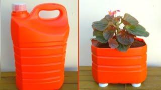 Transforme galão de 5 litros em vaso para flores
