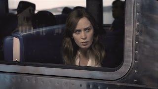 ポーラ・ホーキンズの小説を基にしたミステリー。通勤電車の窓から人妻...
