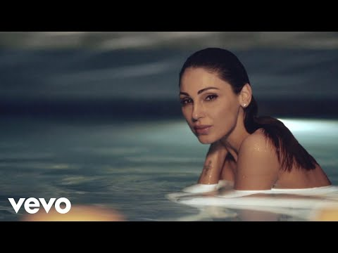 Смотреть клип Anna Tatangelo - La Fortuna Sia Con Me