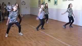 выступает танцевальный коллектив Мераж, танец Хей мистер полисмен