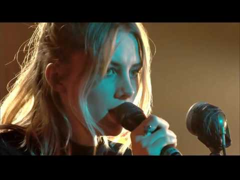 Wolf Alice - Your Love's Whore (Canal+ 2015)
