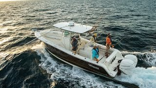 MAKO Boats: 2016 284 CC Offshore Fishing Boat