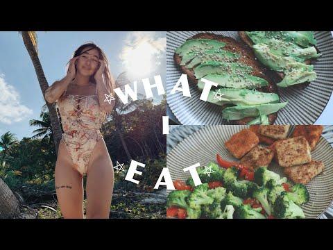 What I Eat In A Week + 3 Year Vegan Update