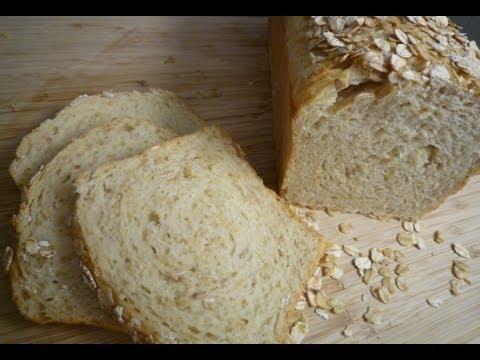 Honig-Buttermilch-Brot mit Haferflocken (Honey-Buttermilk Oat Bread)
