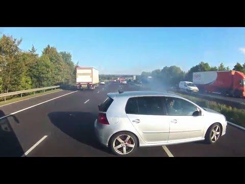 DASHCAM CAPTURES TERRIFYING NEAR MISS ON UK MOTORWAY